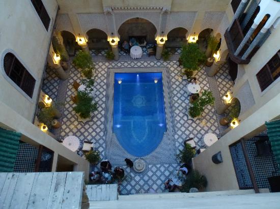 Riad Salam Fes: View on the pool from roof terrace