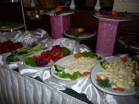 GLK PREMIER The Home Suites & Spa : buffet ptit déj