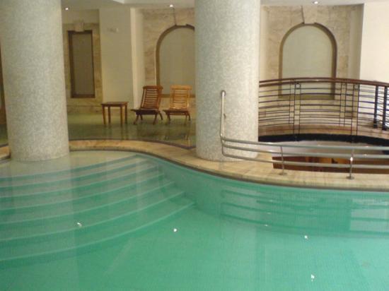Indoors pool