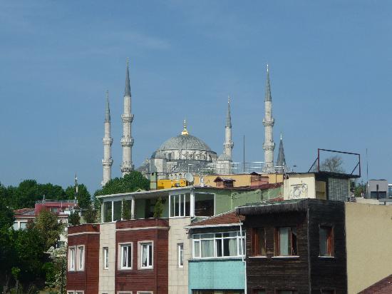 GLK PREMIER The Home Suites & Spa : la mosquée bleue vue du toît de l'hotel