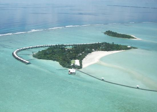 Hakuraa Island: View from the seaplane!