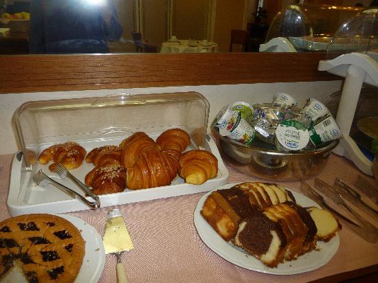 Strozzi Palace Hotel: le sucré: industriel et insuffisant