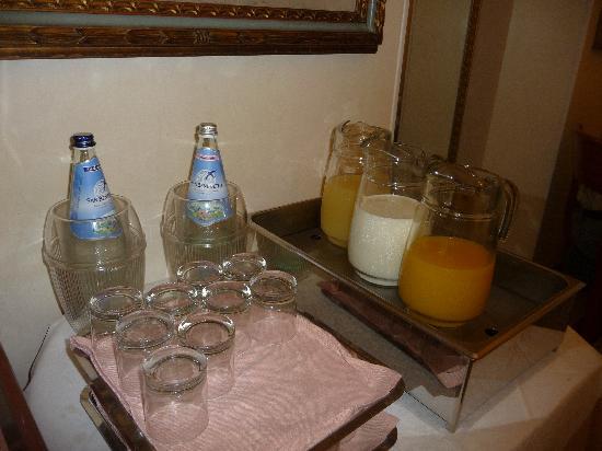 Strozzi Palace Hotel: jus de fruits industriel et sans goût