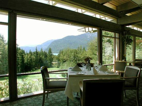 Sea to Sky Grill at Furry Creek : Scenic views from the Sea to Sky Grill