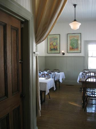 La Gare Auberge Restaurant Bar: Dining room