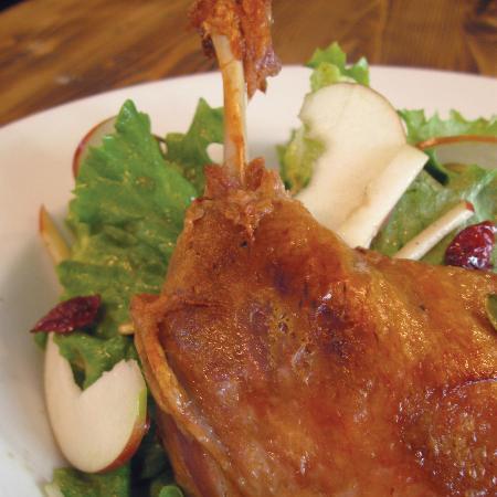 La Gare Auberge Restaurant Bar: Duck confit salad