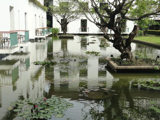 The Sukhothai Bangkok: Courtyard view