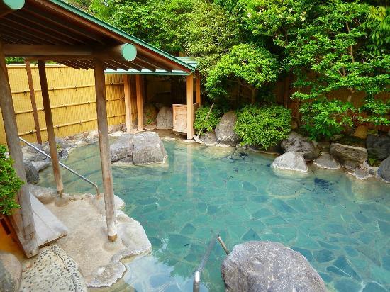 Kannawaen : 源泉かけ流しの青い湯♪