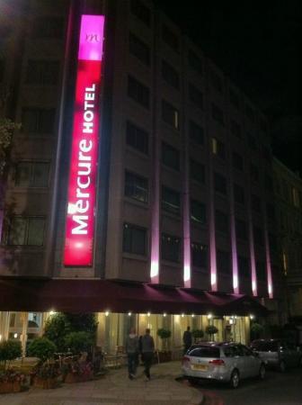 Mercure London Kensington: View from the street