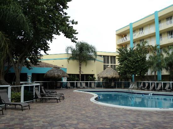 Universal Palms Hotel: piscine