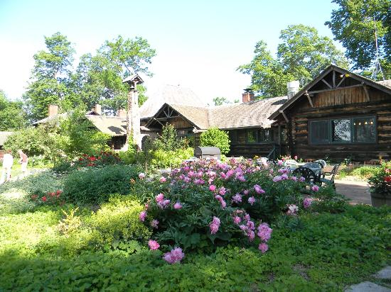 Stout's Island Lodge: Main Lodge