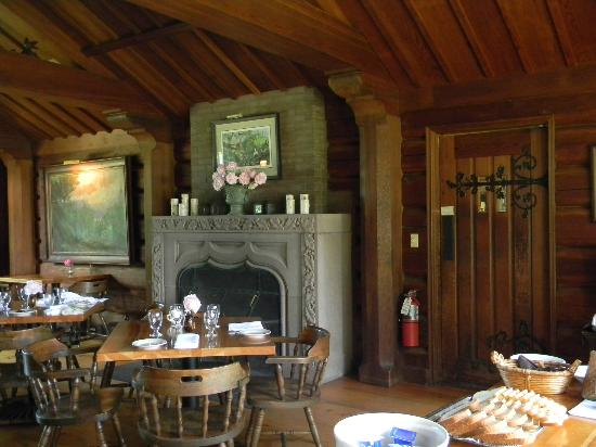 Stout's Island Lodge: Dining room fireplace from Italy
