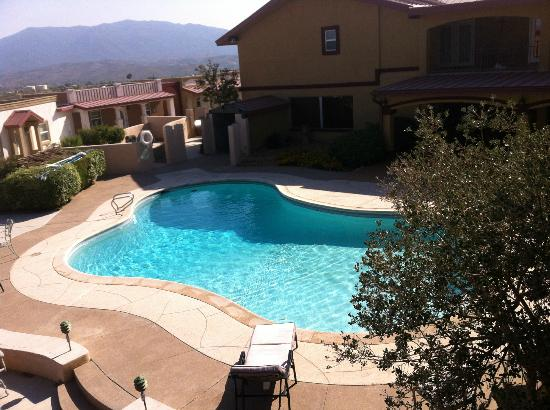 Dream Manor Inn: great pool area