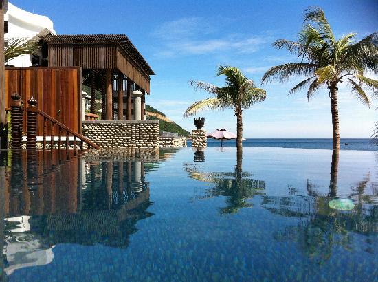 InterContinental Danang Sun Peninsula Resort: Sea Villa 102