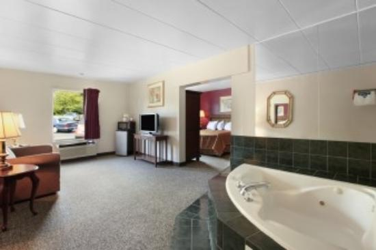 Travelodge-Florence/Cincinnati South: Jacuzzi Suite