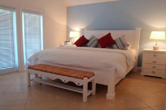Indigo Reef Marina Homes Resort: Master Bedroom - 1 King Bed