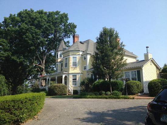 The Oaks Victorian Inn: Beautiful B&B