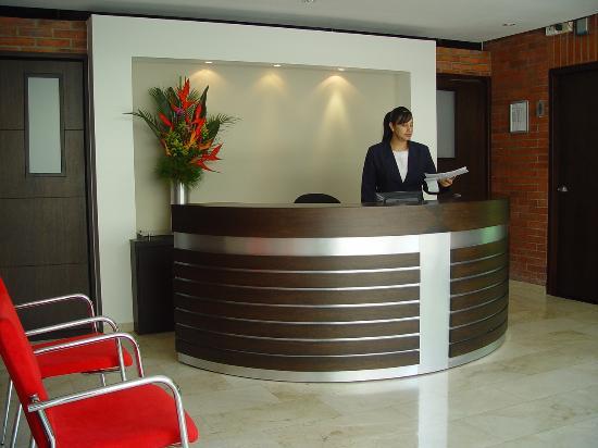 Leblon Suites Hotel: Recepción