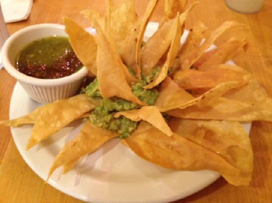 Agave Taco: Chips & Guacamole with a Flourish