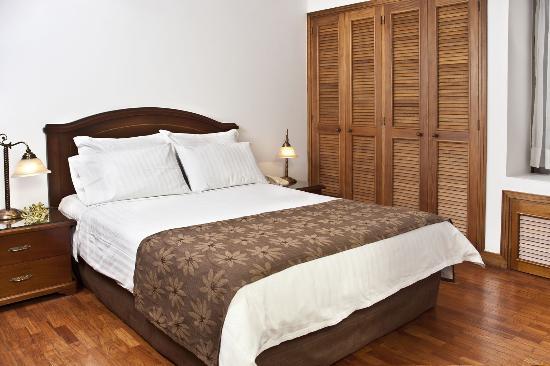Alcazar de Oviedo Status - Suites: Habitación Apartamento