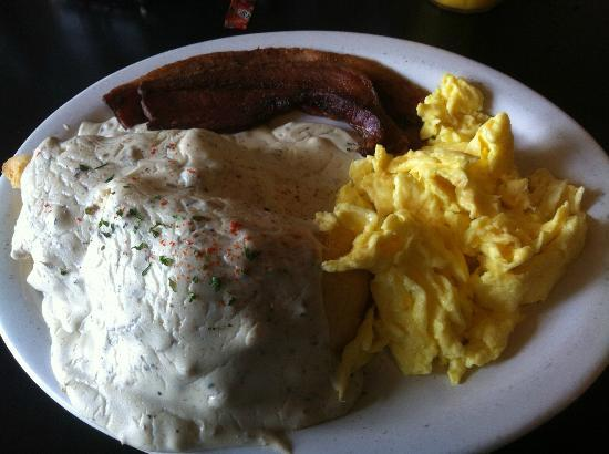 Annette's Westgate Cafe: Biscuits and gravy! Mmm!