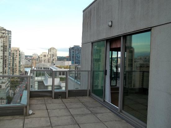 Landis Hotel & Suites: Rooftop Deck