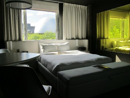 hotel lobby picture of hotel zero 1 montreal tripadvisor. Black Bedroom Furniture Sets. Home Design Ideas