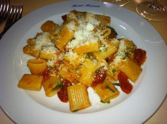 Hotel Maronti: Maniche al pomodorino