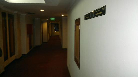Harbour Bay Amir: Corridor in 7th floor