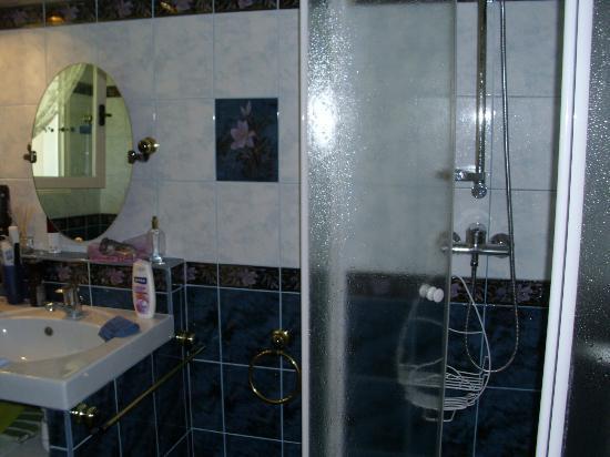 Chanterelle : ruime badkamer