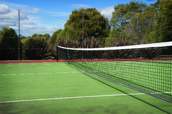 Country Club Villas: Tennis Court