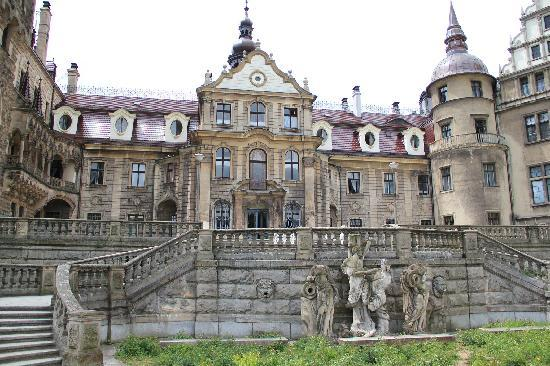 Opole, Polonia: Moszna Castle. Main entrance