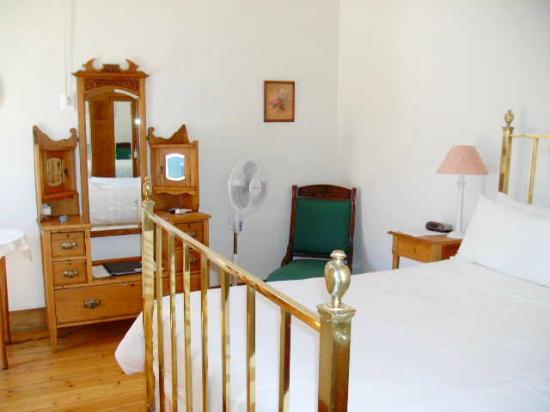 Buiten Verwagten Guest House: Rose Room