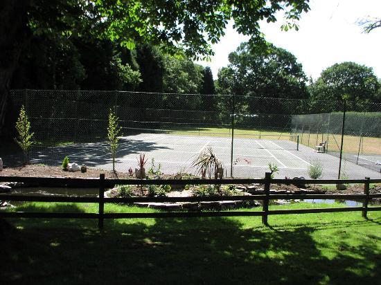 Sun Valley Holiday Park: onsite tennis courts