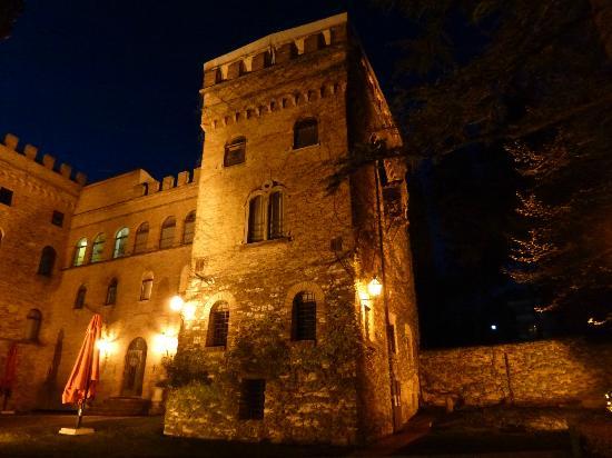 Hotel Torre Dei Calzolari Palace: veduta dell'hotel