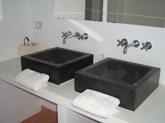 Casa La Menara: lavavos
