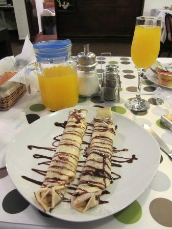 Halvat Guesthouse: Chocolate crepe