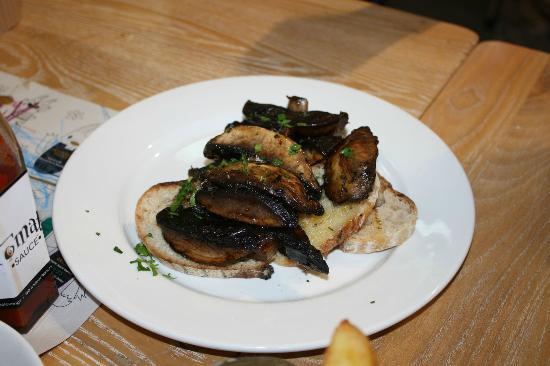 Redhills, Irland: Sautéed Mushrooms (£5.95)