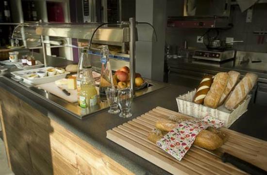 Hotel Oasis: Buffet petit déjeuner