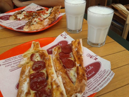 Mavi Halic: Cheese-sucuk and cheese-minced meat pide