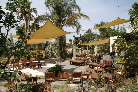 Giardini Ravino: il bar