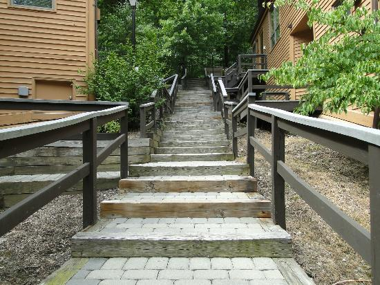 ‪‪Shawnee River Village 2‬: Stair outside of units