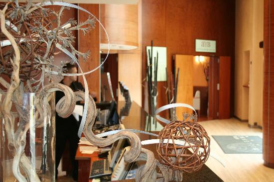 Hotel Garbi Millenni: Recepción