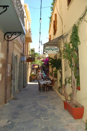 Fatma Hanoum Boutique Hotel: Old Harbour Chania