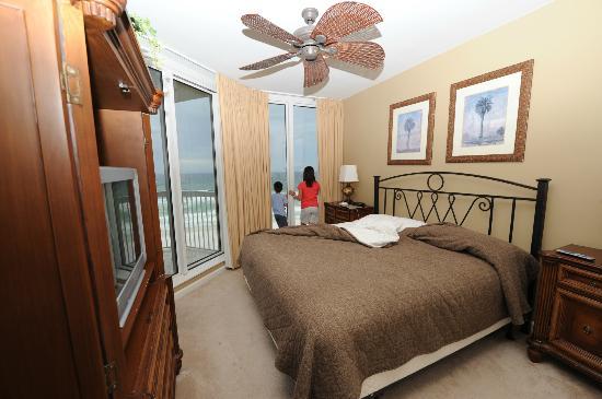 Silver Beach Towers Resort: Bedroom 2 in W605