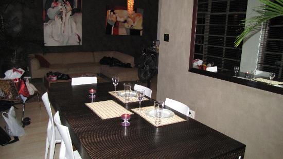 Manhattan Lofts : Dining and Lounge