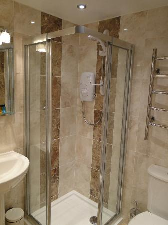 Avenue Park Guest House: Shower en suite