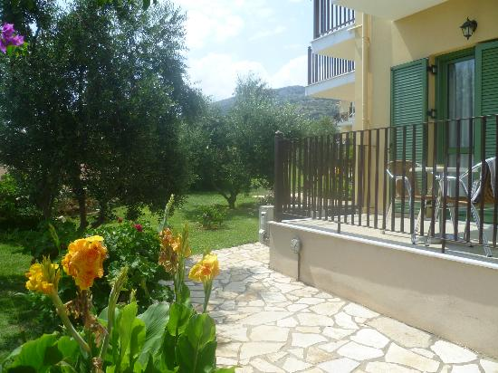 Livadaki Village Hotel: Small place