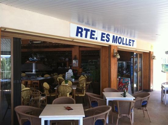 Restaurante Es Mollet De S'illot: Terraza es mollet