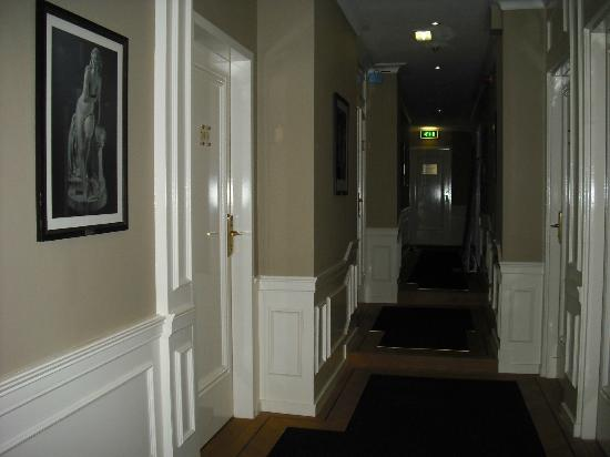 Apollofirst boutique hotel Amsterdam: corridoio